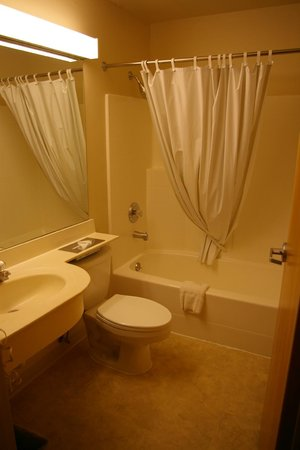 River Canyon Lodge Inn and Suites: salle de bain