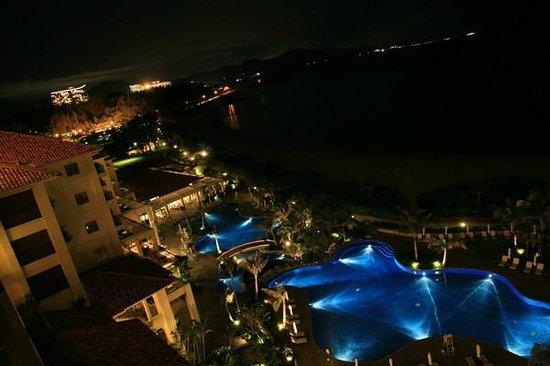 The Busena Terrace: お部屋からの景色(夜)