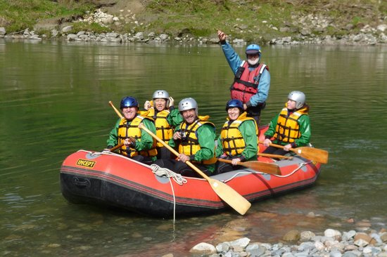 Wild rivers rafting: Setting Off