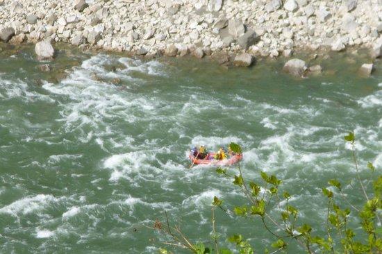 Wild rivers rafting: Yipeeeee