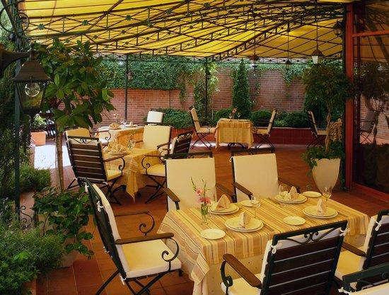 Restaurant La Tribuna Garden