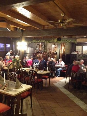 Brauhaus zum Löwen: restaurant en brouwketels