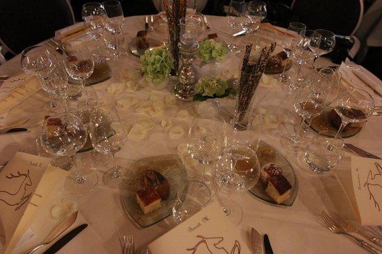 Le Cerf : Belle Table
