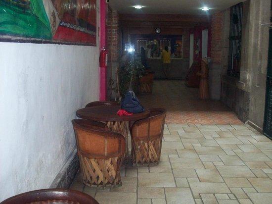 Mexico City Hostel: Main Lounge