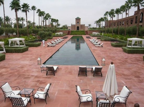 Selman Marrakech : 80 meter swimming pool