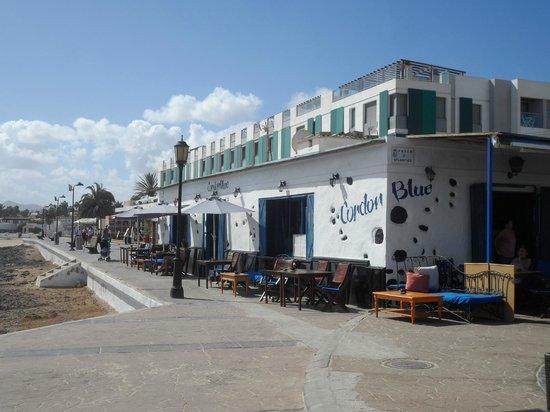 Cordon Blue: Restaurant is right on the promenade, super views