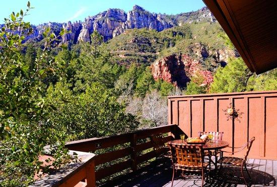 Junipine Resort: wrap around patio