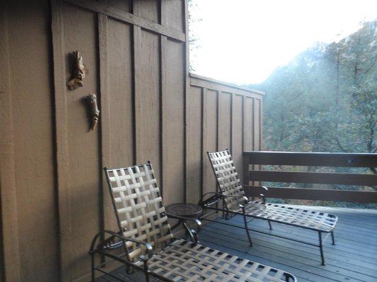 Junipine Resort: patio