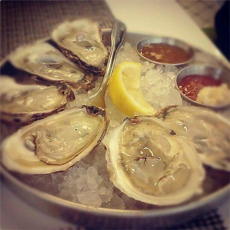 Legal Sea Foods : Oysters