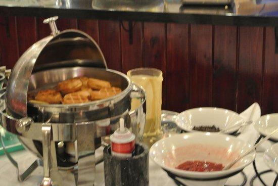 KeyLime Cove Indoor Waterpark Resort : Waffles enough said