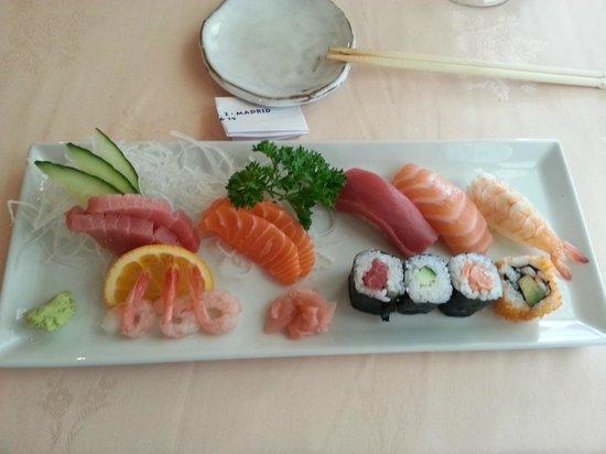 Ginza: Sushi y sashimi moriawase