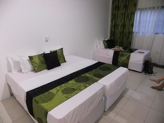 Pavana Resort: color coordinated family room