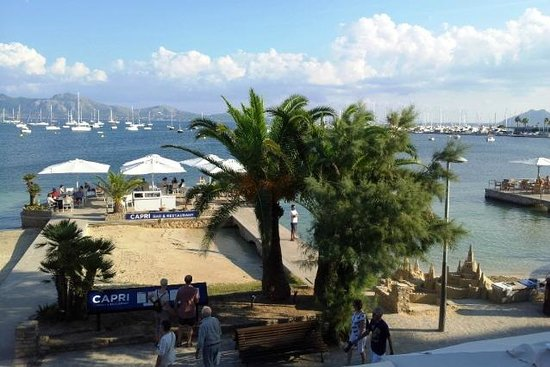 Hotel Capri: Набережная