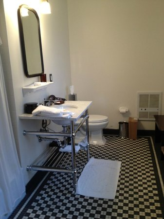 The High Line Hotel: large bathroom