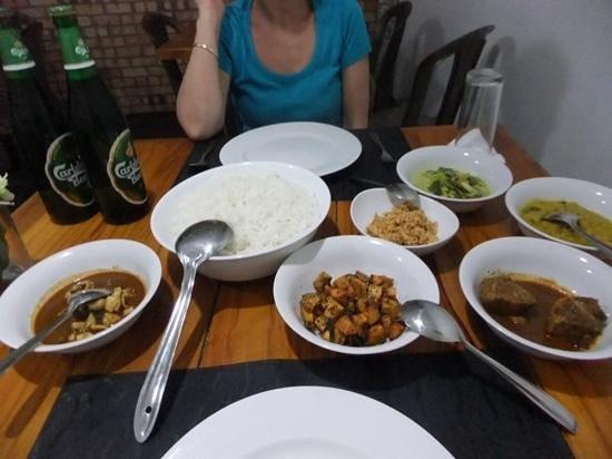 Pavana Resort: nice spicy SL dinner 580lkr, a bargain