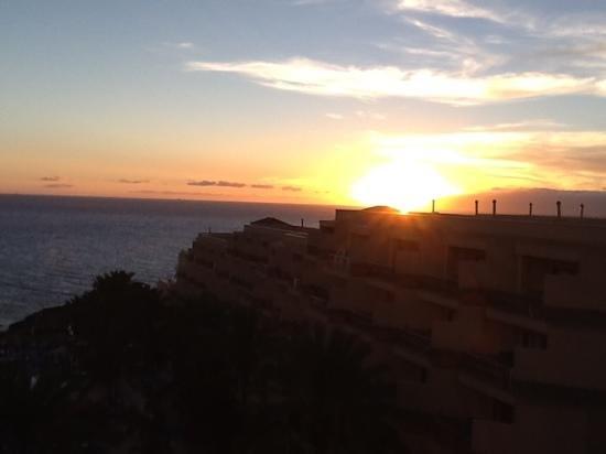 ClubHotel Riu Buena Vista : Sale el sol por la Gomera