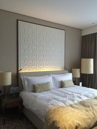 The Ritz-Carlton, Vienna: bedroom