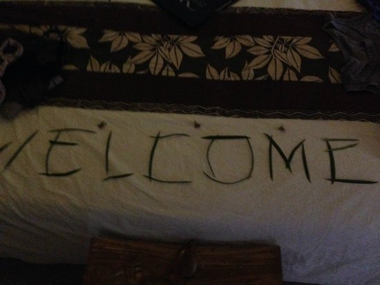 Manta Dive Gili Air Resort: Cute Welcome sign made with twigs!