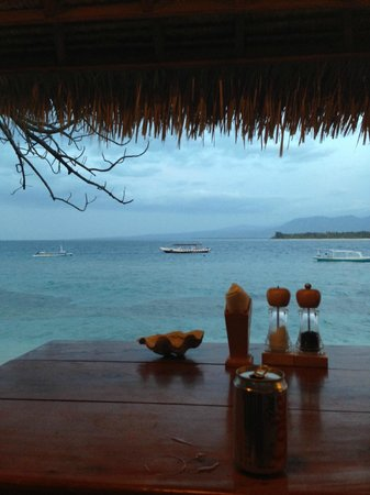 Manta Dive Gili Air Resort: Best place for lunch and sundowners ever..