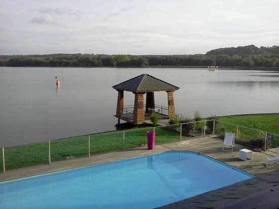 Hôtel du Golf de l'Ailette : vue sur le lac