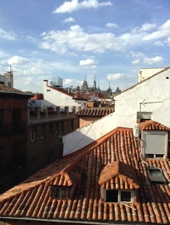 Catalonia Las Cortes: Madrid rooftops from room 403