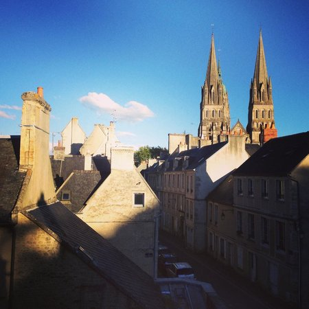 Le Manoir Sainte Victoire: View of Bayeux from our room window
