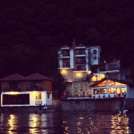 Atitlan Villas: Vista del Hotel