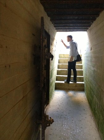 Le Manoir Sainte Victoire: Exploring Point du Hoc
