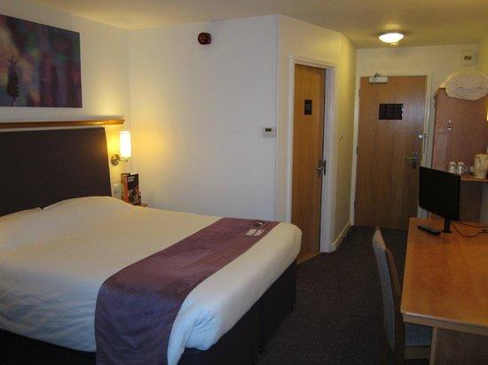 Premier Inn Manchester West Didsbury Hotel: Family Room