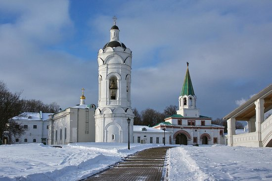 Kolomenskoye Historical and Architectural Museum and Reserve: View of Kolomenskoe churches