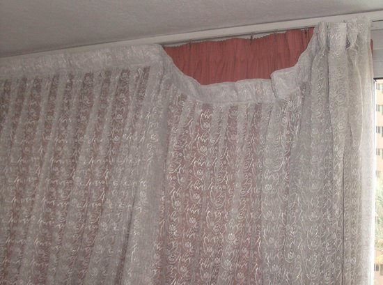 Cervantes : curtains