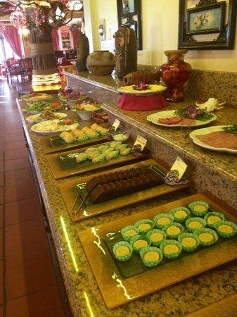 Catba Sunrise Resort : Buffet de desayuno