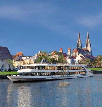 Donauschiffahrt Wurm + Köck: Kristallkönigin