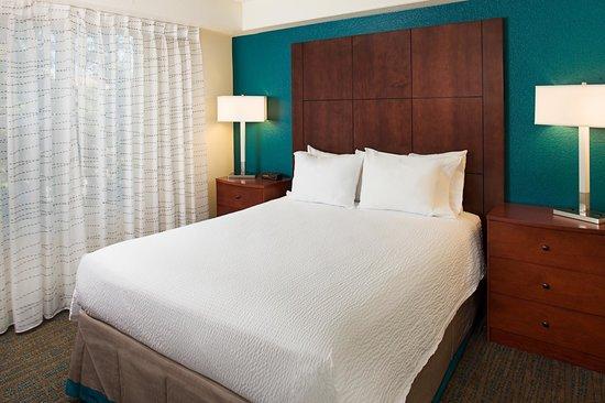 Residence Inn San Jose South : Suite Bedroom