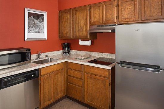 Residence Inn San Jose South : Studio Suite Kitchen