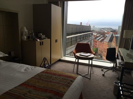 DoubleTree by Hilton Manchester Piccadilly: room 1037