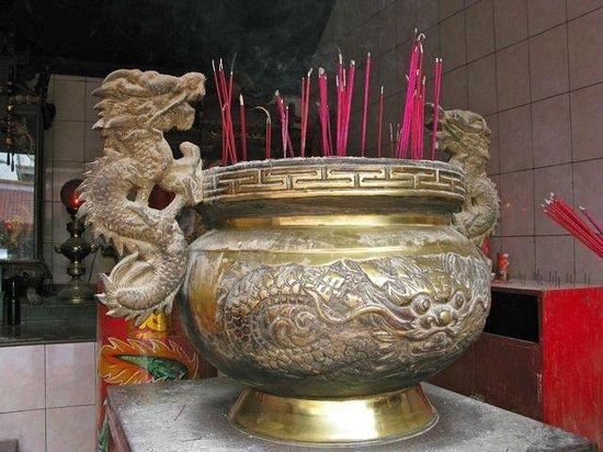 Chinatown (Glodok): Petak Sembilan Chinese buddhist temple