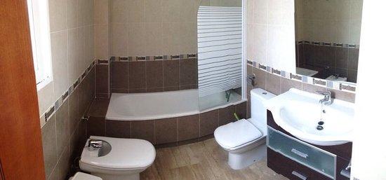 Valencia Central Apartments: baño
