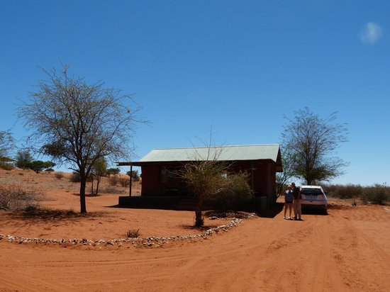 Bagatelle Kalahari Game Ranch: Strobale Chalet