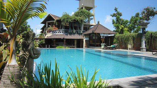 Bali Ayu Hotel: Piscina
