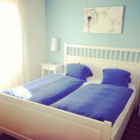Hotel Alphorn : room :)
