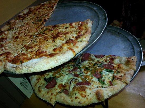 American Flatbread : Flatbread pizzas