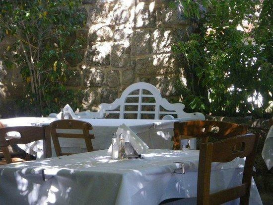 Nireas : the restaurant