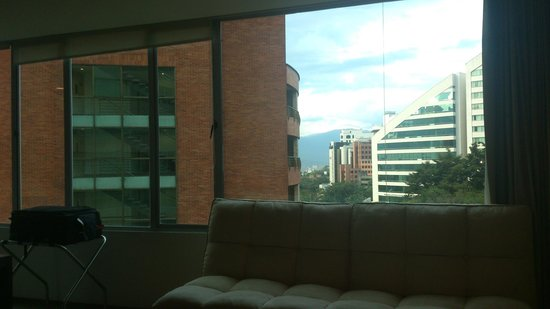 Holiday Inn Express Medellin: Vista de Habitacion