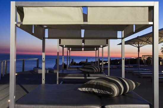 Farol Hotel: Pool Beds