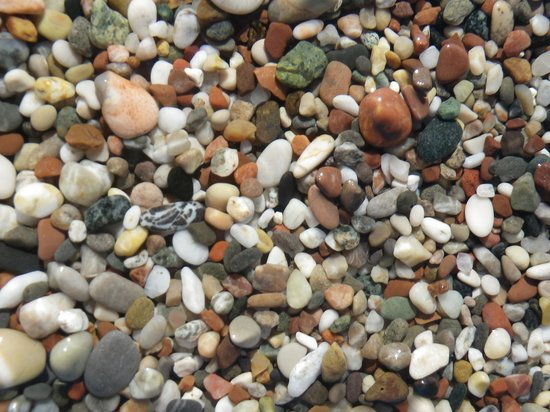 Mitsis Rodos Maris Resort & Spa: Tiny tiny stones -no problem