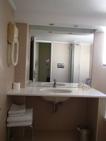 Golden Sun Hotel: Ванная комната