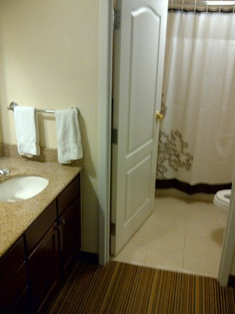 Residence Inn Mississauga-Airport Corporate Centre West: Bathroom