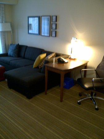 Residence Inn Mississauga-Airport Corporate Centre West: Living room