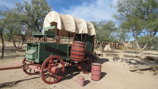Tombstone Monument Ranch: Wagon